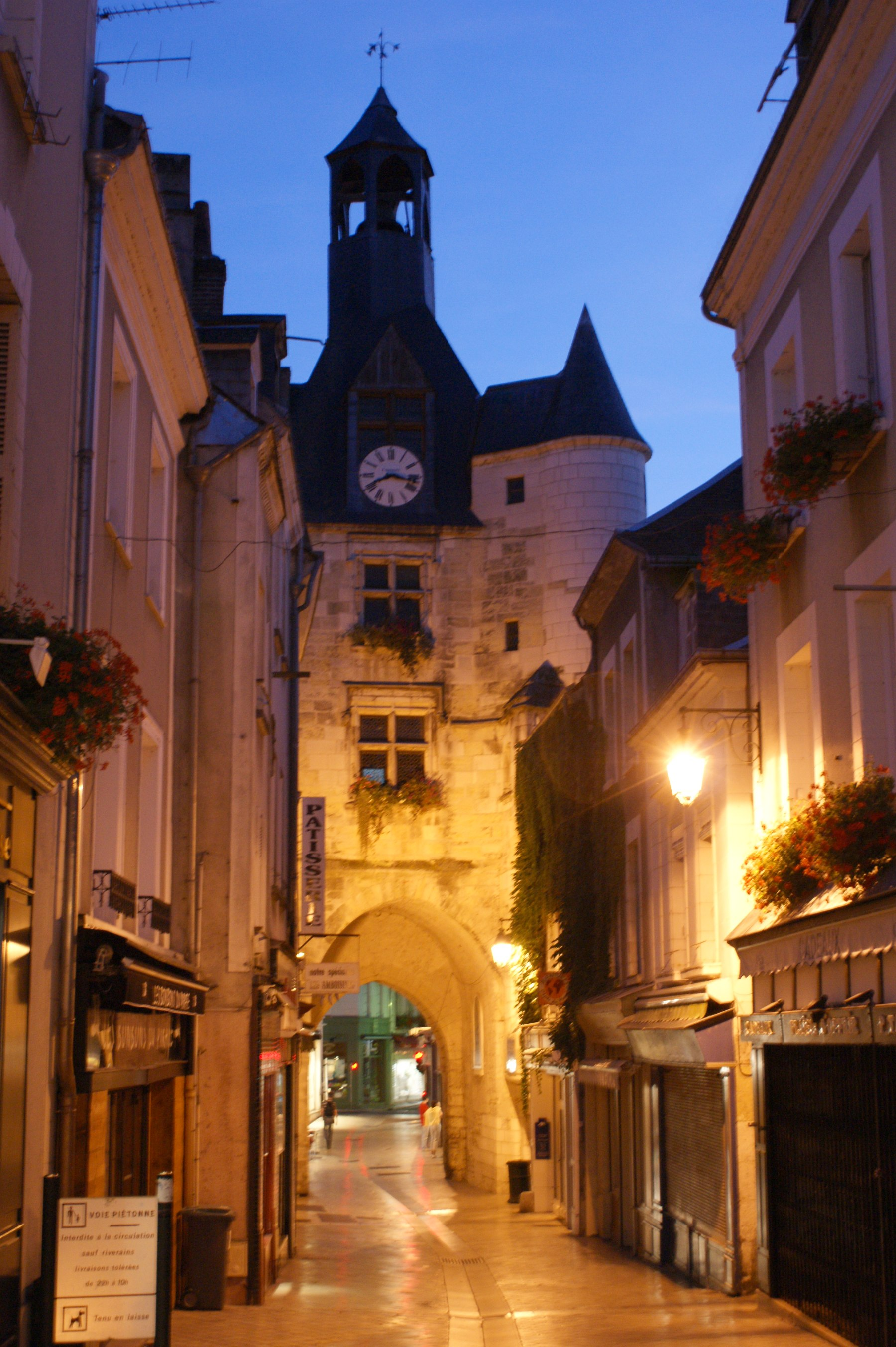 Amboise Clock Gateway