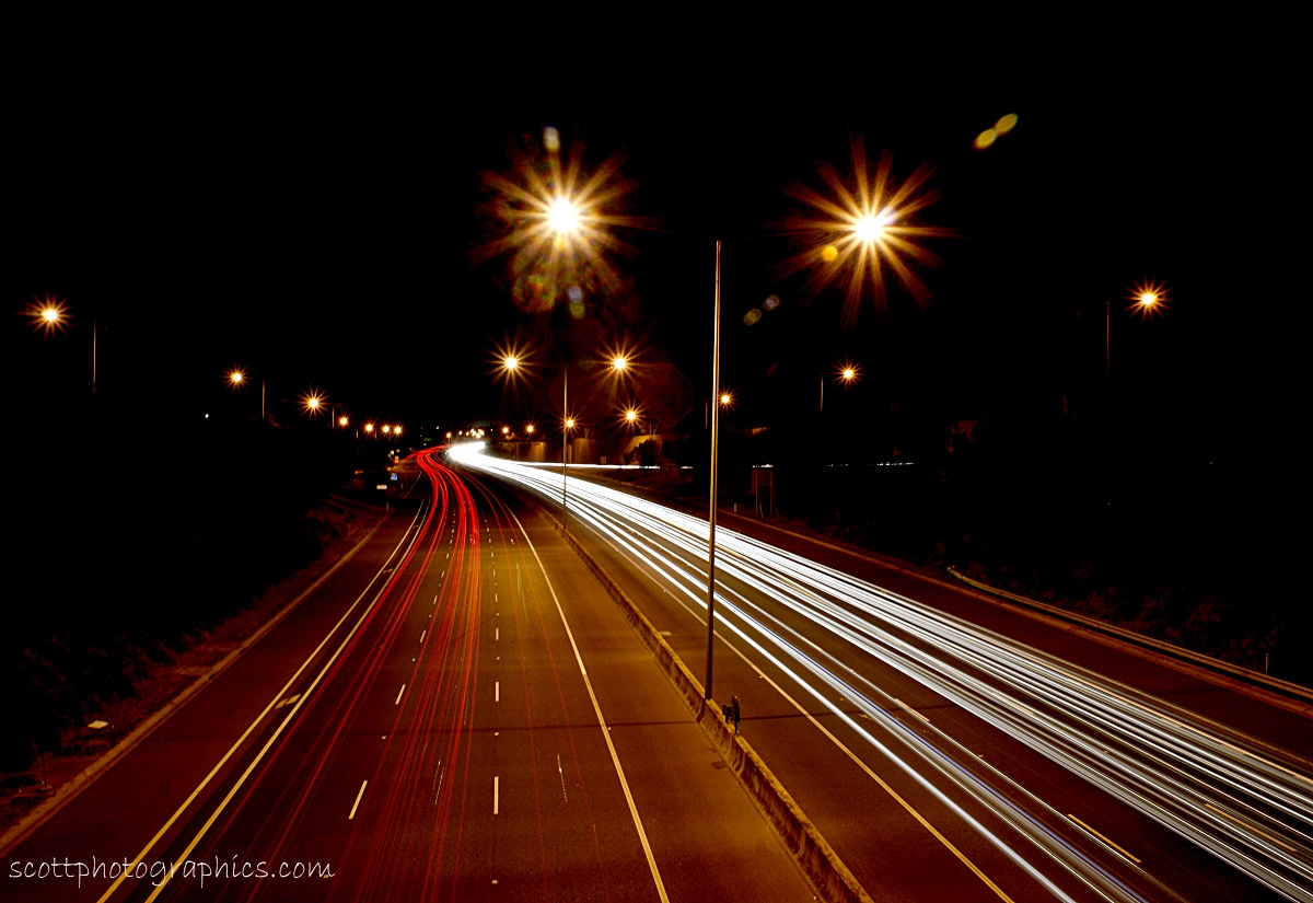 http://www.images.scottphotographics.com/shot-of-the-day/%2311/eastern-freeway-car-lights-melbourne-australia.jpg