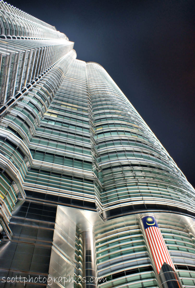 http://www.images.scottphotographics.com/shot-of-the-day/%2312/petronas-towers-kuala-lumpur-malaysia-1.jpg