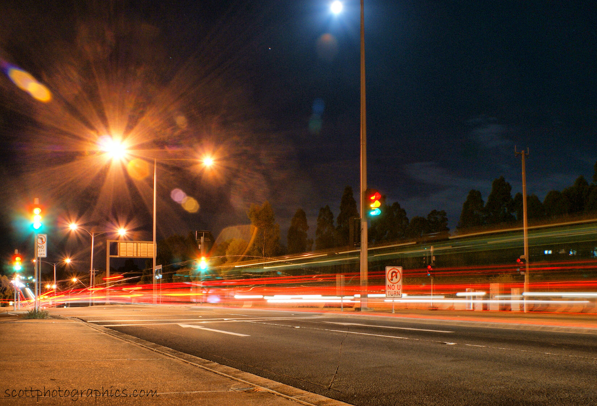 http://www.images.scottphotographics.com/shot-of-the-day/%2313/urban-lights-of-melbourne-suburbs-1.jpg