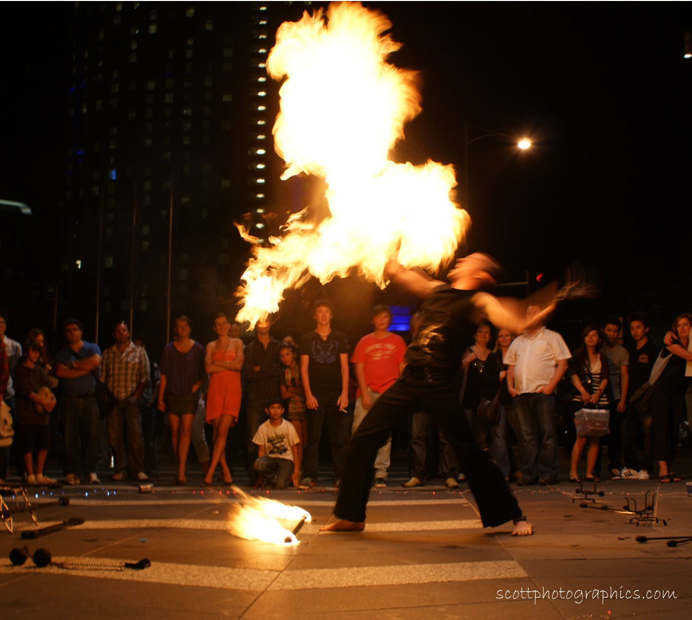 http://www.images.scottphotographics.com/shot-of-the-day/%2318/fire-twirler-southbank-promenade-melbourne-4.jpg