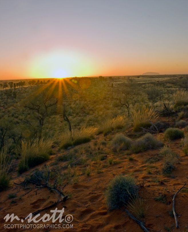 http://www.images.scottphotographics.com/shot-of-the-day/%2338/ayers-rock-uluru-sunrise-at-the-olgas-1.jpg