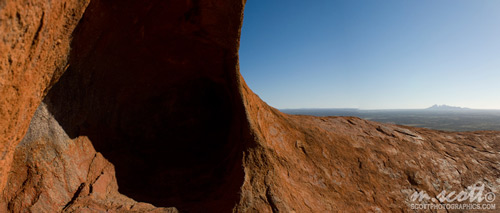 Outlook on top of Uluru