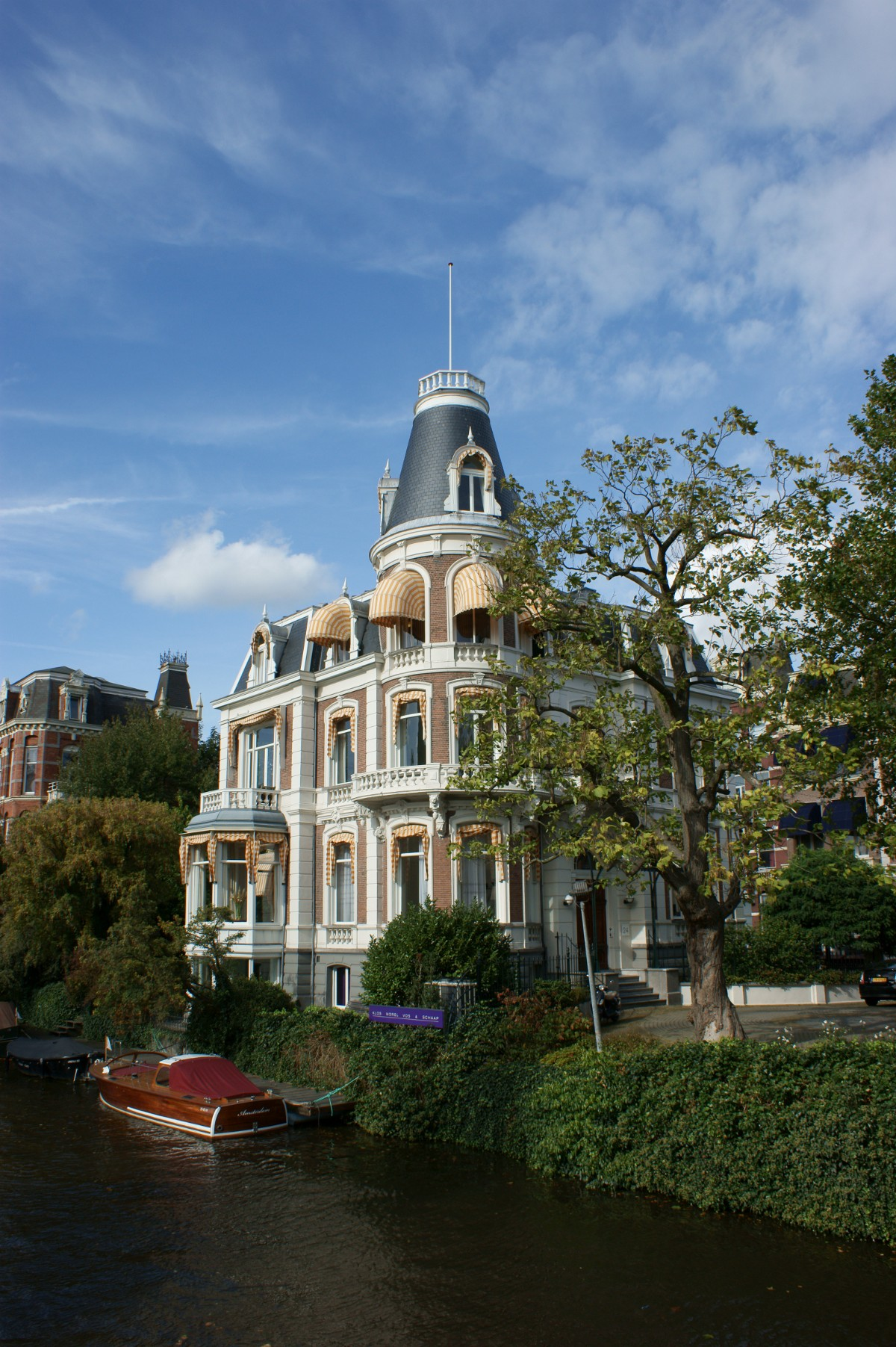 http://www.images.scottphotographics.com/shot-of-the-day/%235/amsterdam-netherlands03.jpg