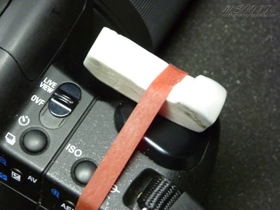 simple-solution-to-long-exposures-rubber-band-and-eraser-1.jpg