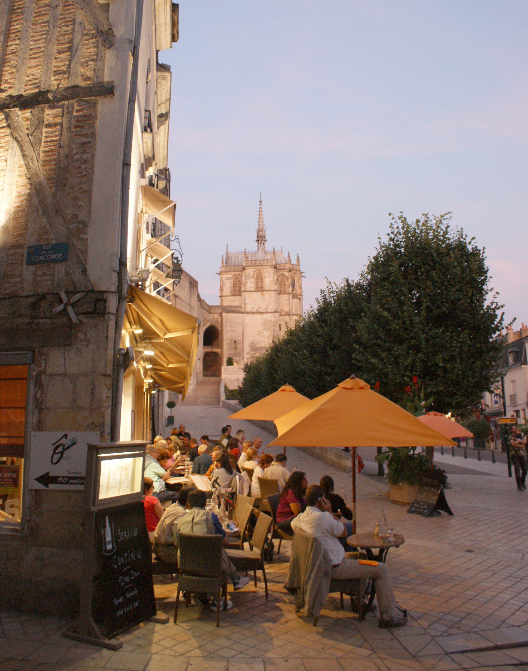 The Amboise Square